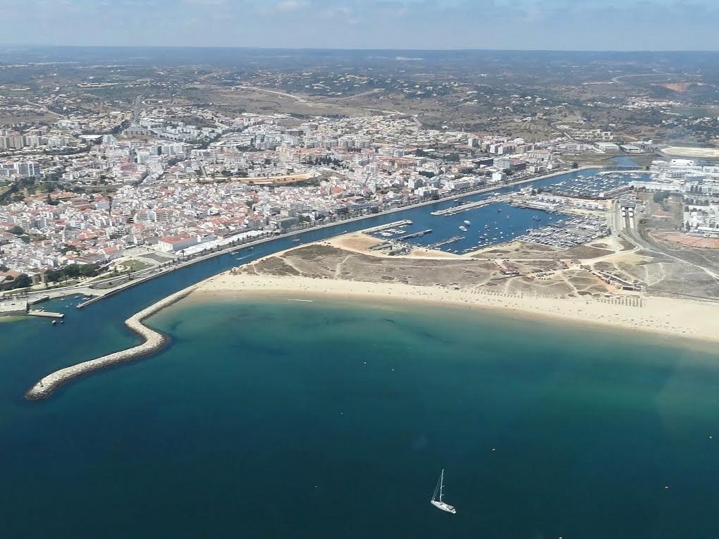 Lagos on the Algarve coast Algarve Portal : Marina Lagos from en.algarve-portal.com size 1020 x 765 jpeg 480kB